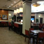 Hampton Inn & Suites (Memphis) - Foyer/Dining Area