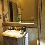 Prestige Room bathroom