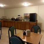 Breakfast Area 06