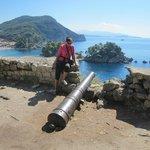 Antigo canhão na fortaleza.