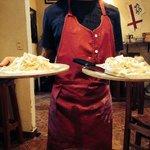 Donde te cortan la pasta fresca en la Mesa !! Fresh pasta cut right in the table !!!