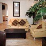 Sitting area, Room 401