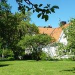 Rosenfors vandrarhem - trädgård