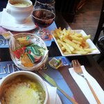 onion soup, fries and christmas edition beer :)