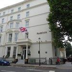 Fraser Suites, Kensington