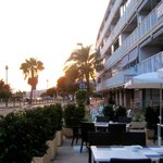 La Caravelle - Outdoor setting in sunset