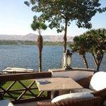 zona del bar al lado del Nilo.Relax total.