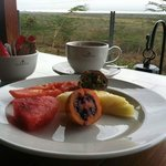 Nice way to start the morning with some delicious fruit, eaten while overlooking the savanna!