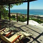 Balkon und Aussicht auf Camps Bay und das Meer