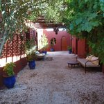 photo of courtyard outside rooms