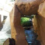 Grotta con Cascata