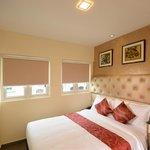 The Deluxe Nest Queen Bed