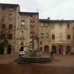Cisterna Square San Gimignano