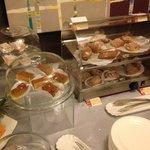 buffet colazione, le brioches