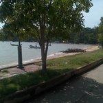 Lungomare a due metri dal resort - passeggiata