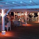 Le restaurant LE BEACH ROUGE le soir
