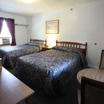 Clean, comfortable rooms and cabins