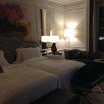 habitacion con camas enormes