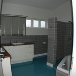 expand to see entire bathroom - shower on the right