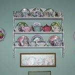 Teapots & Plates