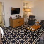 Living Room, Room 326