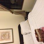 Standard full bed room w shared bathroom-LVS