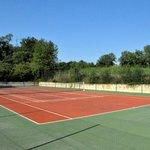 Château Hermitage de Combas le tennis