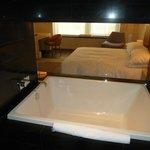 Large King Room Bathroom
