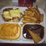Assiette régionale (welsh, tartiflette au maroille, carbonade)