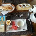 breakfast with book