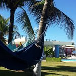 Vista da rede para o bar da piscina