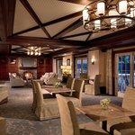 Club Level Lounge