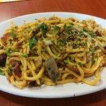 Tagliolini con pescespada, olive, pomodorini, pistacchi