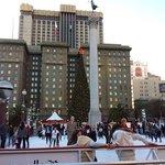 Pista de patinação na Union Square em dezembro de 2013