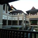 Exterior hotel desde zona desayuno