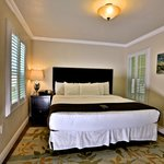 Signature Deluxe King Room