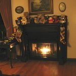 Gas fireplace complete w/stockings