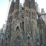 La Sagrada Familia all'uscita dalla fermata della metro