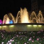 fontane a Plaza de Cataluña poco prima delle famose Doce Campanadas...