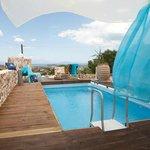 Χώρος πισίνας - Villa Suites
