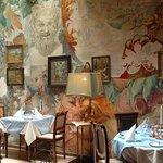 U modré kachničky dining hall - Meyan Yeung