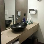 clean n spacious bathroom