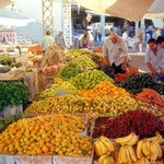 Втрничный рынок в Махмутларе