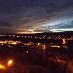 Nachtelijk uitzicht over de stad Boumalne