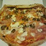 pizza fungbhi panna e prosciutto