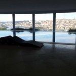 Piscine intérieure, vue sur Porto