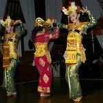 Balinese dancing at main lobby