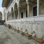 lateral da Mesquita, para higienizações