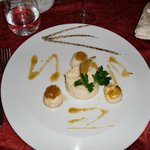 citrus crusted sea scallops with caramelized grapefruit sauce & local yucca puree