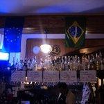 A bandeira do Brasil foi a isca perfeita para nos atrair. Que bom que mordemos a isca.